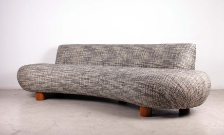 Free Form Sofa, Design by XXe Siecle, L 250 cm.