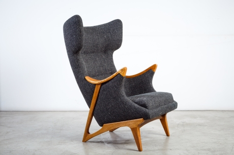 A pair of armchairs edited by XXe Siècle inspired by a design from the fifties