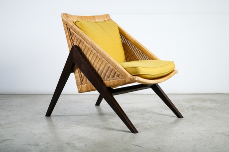 "Pair of ""Compass"" armchairs, solid wood and straw, designed by XXe Siecle, L70 W98 H91 cm"
