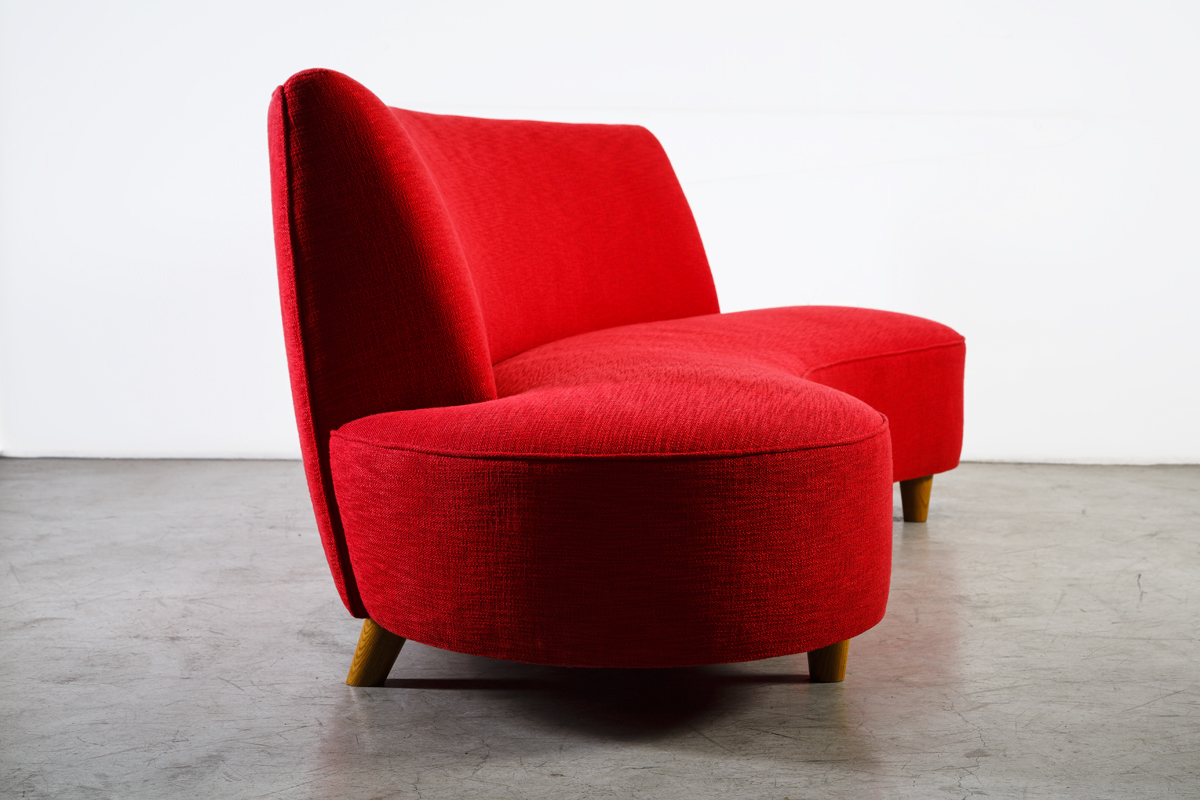 Design by xxe siecle xxe si cle mobilier d 39 art for Sofa 80 cm tief