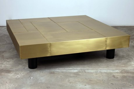 Brass table designed by XXe Siecle, 38 x 150 x 150 cm