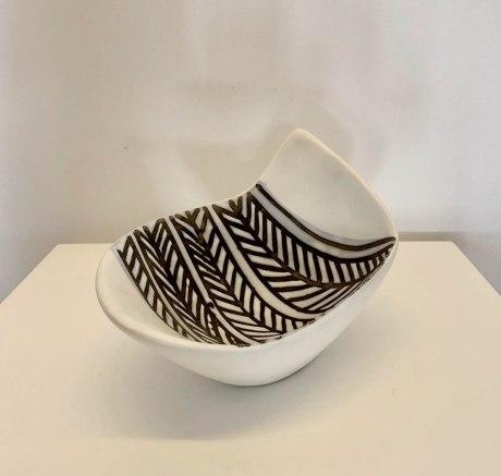 O433-Capron-B&W bowl